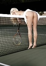 Jana Jordan serves up naked tennis!...